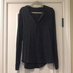 Men's lululemon longsleeve shirt